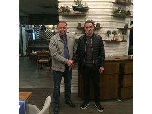 Tayfur Havutçu, Adana Demirspor ile anlaştı