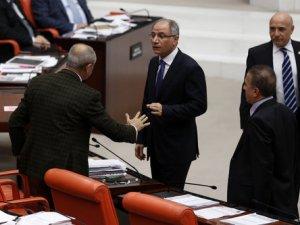 Meclis'te 'El Hareketi' Gerginliği