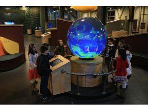 Bilim Merkezi, Dünyanın Sırlarını Sergiliyor
