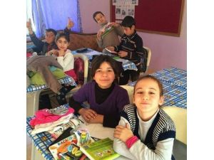 İki Gönüllüden Gönülleri Fethedecek Proje