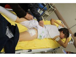 Sokak Köpeklerinin Saldırdığı Çocuk Yaralandı