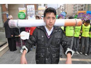 Minik Öğrenciler Sigaraya Karşı Yürüdü