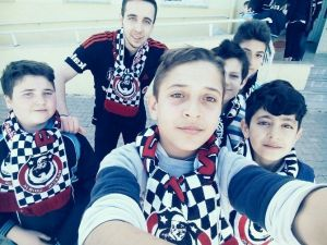Beşiktaşlılar Örnek Olmaya Devam Ediyor