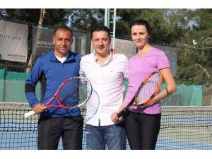 Adanalı iki sporcu tenis milli takımına çağrıldı