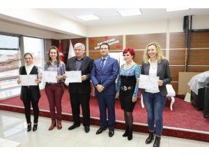 Bulgarca Öğrenen Kursiyerler Sertifikalarına Kavuştu