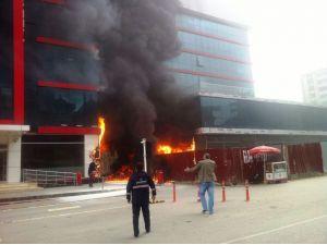 Hastanede çıkan yangın, paniğe neden oldu