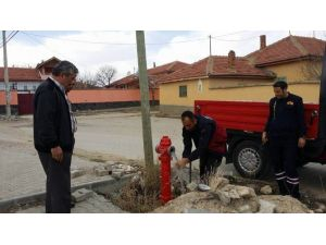 Kulu'da Mahallelere Su Dolum Vanaları Monte Ediliyor