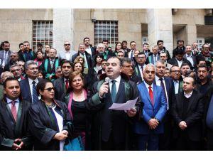 Adana Bölge Adliye Mahkemesi'nin Gaziantep'e bağlanmasına tepki