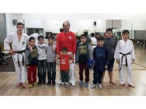 DUMESF'ten Çocuklarda Spor Bilinci Ve Spor Kardeşliği Projesi
