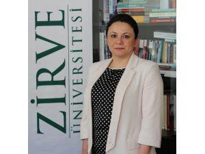 Zirve Üniversitesi Aile Ve Kadın Çalışmaları Ve Uygulama Merkezi Müdürü Yrd. Doç. Dr. Derya Keskinci: