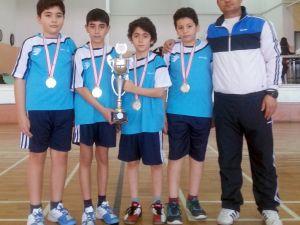 Servergazili küçükler Denizli badminton şampiyonu oldu
