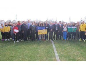 Genç Kızlar Futbol Turnuvası Tavşanlı'da Başladı