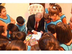 Vali Kahraman Doğa Kolejinin İlkokul Öğrencileri İle Birlikte Resim Çizip, Boyama Yaptı