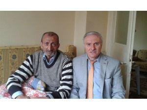 BİK Şube Müdürü Abacı, Kalp Krizi Geçiren Emekli Gazeteci Özhan'ı Ziyaret Etti