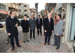 Belediye Hürriyet Caddesi'ni Yeniliyor