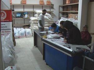 400 Yardıma Muhtaç Aileye Yardım Paketi Dağıtıldı'