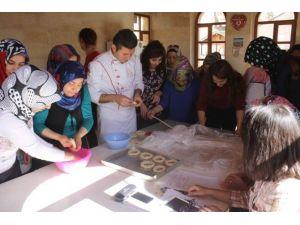 Uçhisar Kültür Ve Eğitim Merkezi, Kadınlara Yönelik Eğitimlere Start Verdi