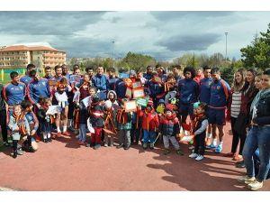 Anaokulu Öğrencilerinden Kayserispor'a Ziyaret