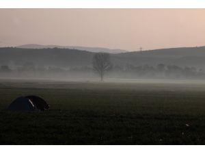 Yunan-Makedon sınırında umut sabahı