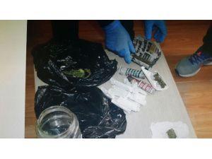Polis Uyuşturucuya Geçit Vermiyor