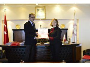 Bülent Ecevit Üniversitesi Akademik Başarılara Değer Veriyor