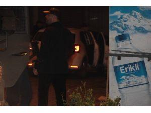 Beyoğlu'nda Zırhlı Polis Aracına Silahlı Saldırı