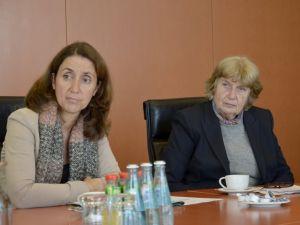 Özoğuz: 'Anadil, Almanca öğrenmeyi engeller' önyargısından kurtulalım
