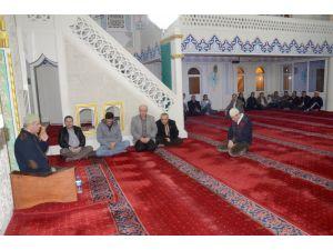 Hunharca öldürülen genç kızın mesai arkadaşları, Kur'an merasimi düzenledi