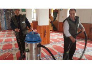 Köy Camileri Belediyece Temizlendi