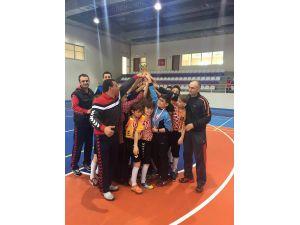 Özel Osmanbey Koleji hentbol şampiyonu