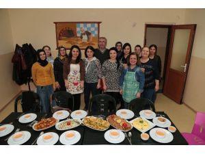 Denizli'de 250 Saatlik Aşçılık Eğitimi