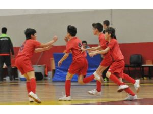 Altınordu'nun Minikleri Futsalda Rakipsiz