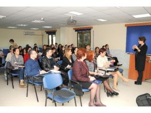 MEÜ'de Hemşirelere Nitel Araştırma Kursu Düzenlendi