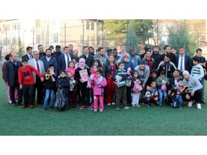Gaziantep B.ş.b. Oyuncuları Çocuk Esirgeme Kurumuna Ziyaret