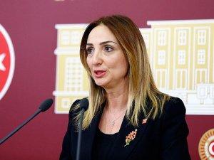 Aylin Nazlıaka CHP'den ihraç edildi