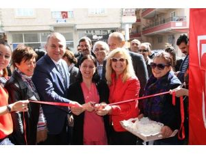 Didim'de Yardımsevenler Hastane İçin Kermes Düzenledi