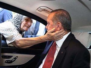 Erdoğan'dan kadınlara özel 8 Mart resepsiyonu