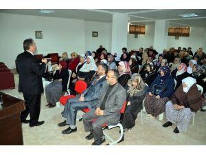 Umreci Adaylarını Bilgilendirme Seminerleri Düzenlendi