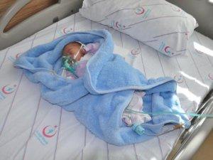 15 Günlük Bebeği Yol Kenarına Attılar