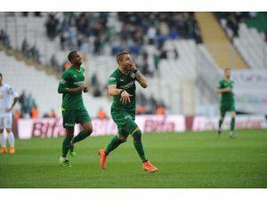 Bursaspor, Arena'da Geçit Vermiyor