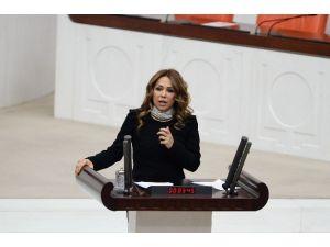 AK Partili Enç: Kadınların Çığlığını Duyuyoruz