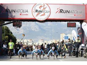 11. Uluslararası Runatolia Antalya Maratonu Start Aldı
