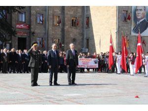 Atatürk'ün Isparta'ya Gelişinin 86'ncı Yıl Dönümü Törenle Kutlandı