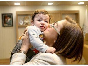 Sare Davutoğlu'nun Ellerinde Dünyaya Gelen Şehit Çocuğu Büyüyor