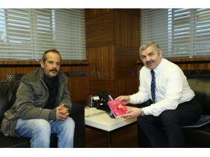 Ünlü Yazarlar Kayseri'ye Gelmeye Devam Ediyor