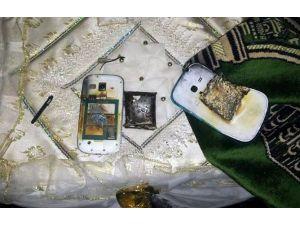 Şarja Takılan Telefon Patladı