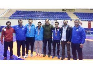 Büyükşehirli Üç Genç Güreşçi Türkiye Finallerinde