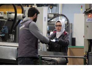 Kadınlar Ağır Sanayiye De El Attı