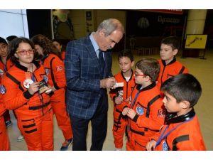 "Küçük Astronotlar ""Mars'ta Bir Gece"" Geçirdi"
