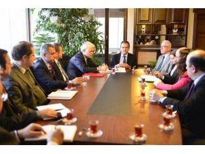 """Bülent Ecevit Üniversitesinde """"Bilimsel Araştırmalar Ve Proje Yönetimi Danışma Komisyonu"""" Toplantısı Yapıldı"""